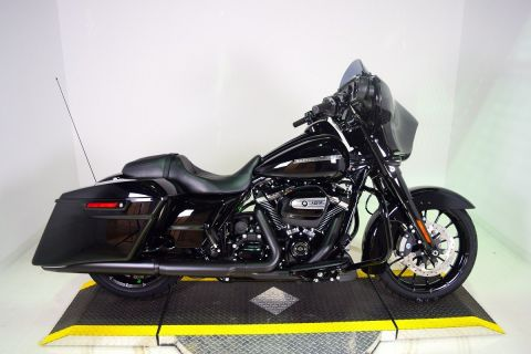 New Harley Davidson Street Glide Special FLHXS