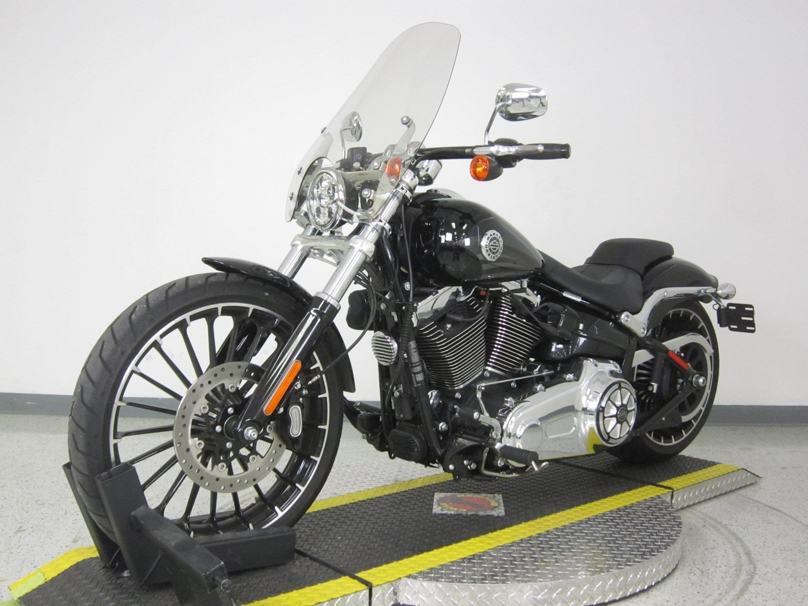 Pre Owned 2017 Harley Davidson Softail Breakout FXSB Softail in N