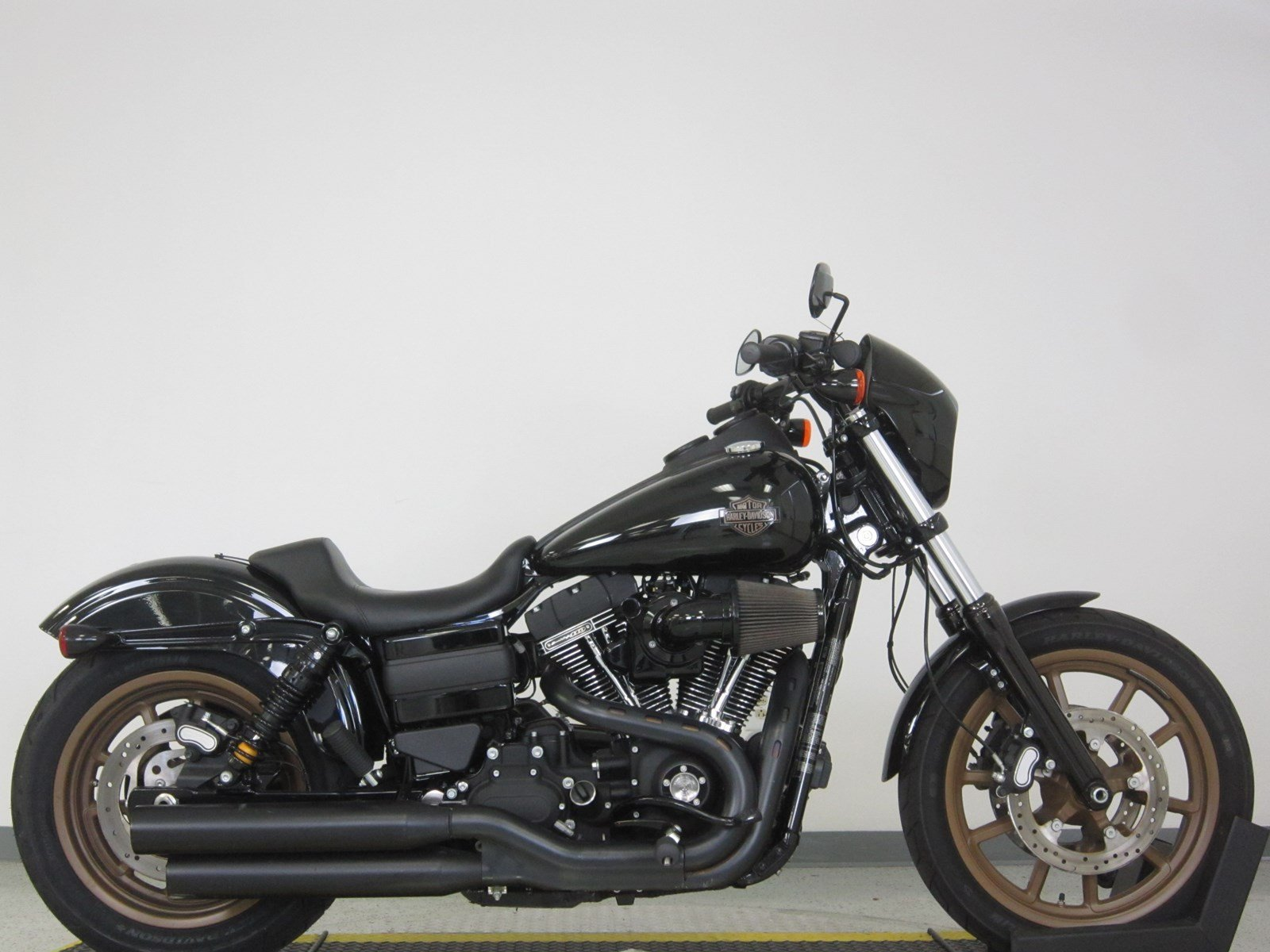 pre owned 2017 harley davidson dyna low rider s fxdls dyna in n billerica u302175 high. Black Bedroom Furniture Sets. Home Design Ideas