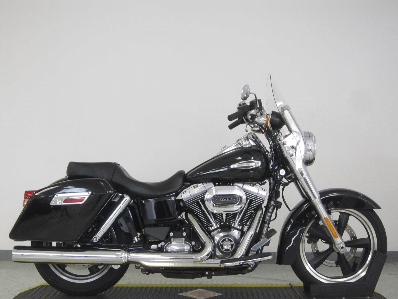 Pre-Owned 2016 Harley-Davidson Dyna Switchback FLD