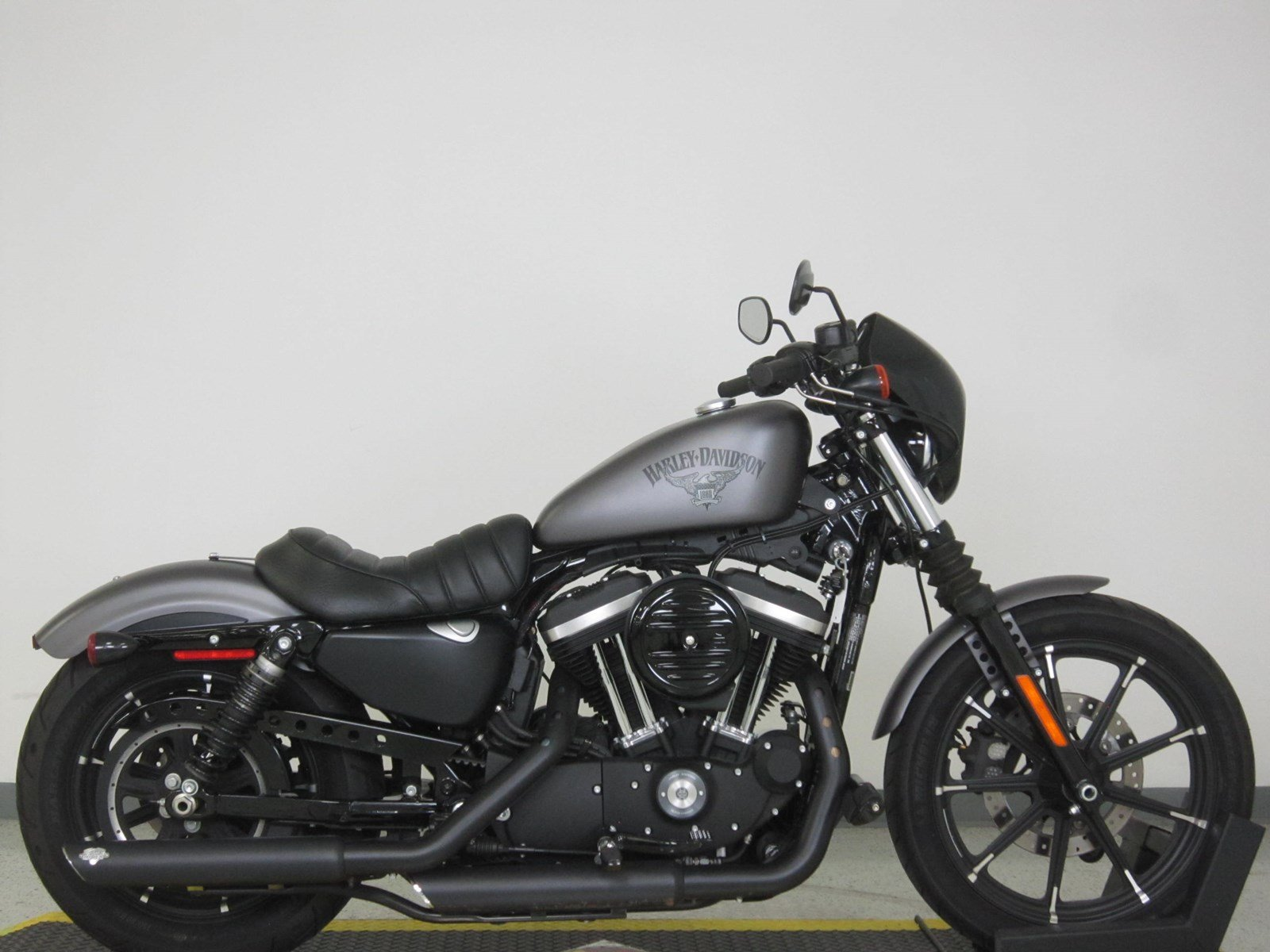 Pre Owned 2017 Harley Davidson Sportster Iron 883 XL883N Sportster