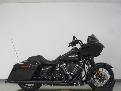 New 2018 Harley Davidson Road Glide Special FLTRXS